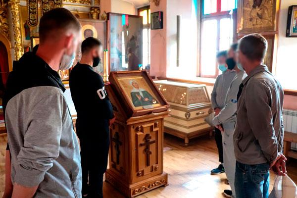 Осужденные колонии-поселения № 2 совершили паломническую поездку по православным храмам и монастырям г.Якутска