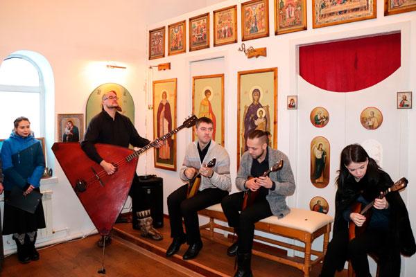 В исправительных учреждениях состоялись концерты популярного ансамбля «БалАнс»